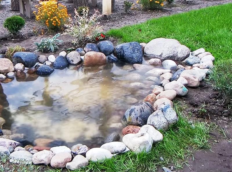 Если вода немного помутнела, это не страшно, впоследствии она отстоится