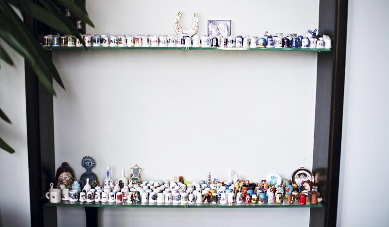 У Мити Фомина собрана большая коллекция фарфоровых статуэток