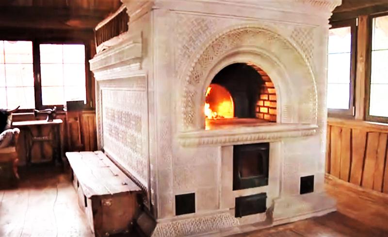 Русская печь с украшениями