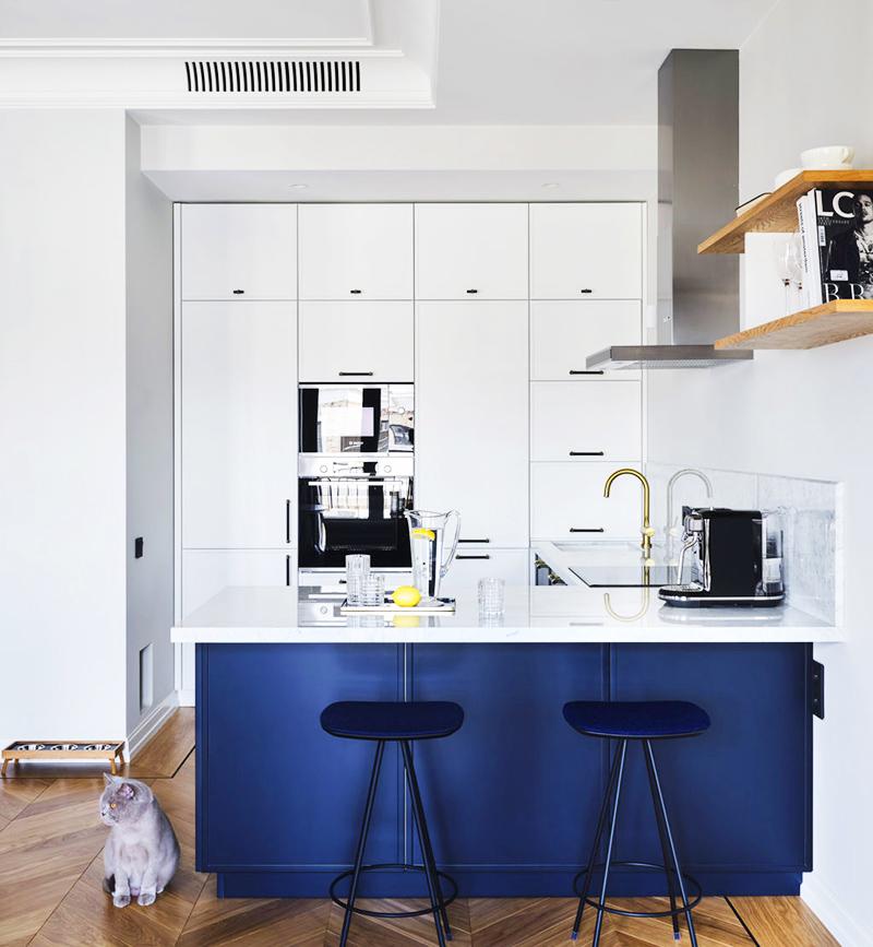 Ниша идеально подошла для размещения кухонной мебели