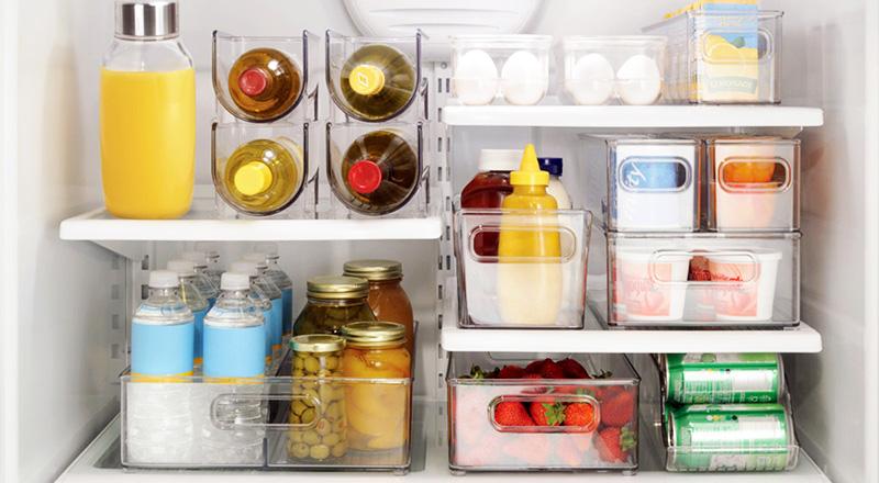Натуральные соки лучше хранить в стеклянных бутылках, а яйца – в специальных контейнерах. Если вы заботитесь об окружающей среде, то всю снятую с продуктов упаковку можете сразу же сдавать на переработку