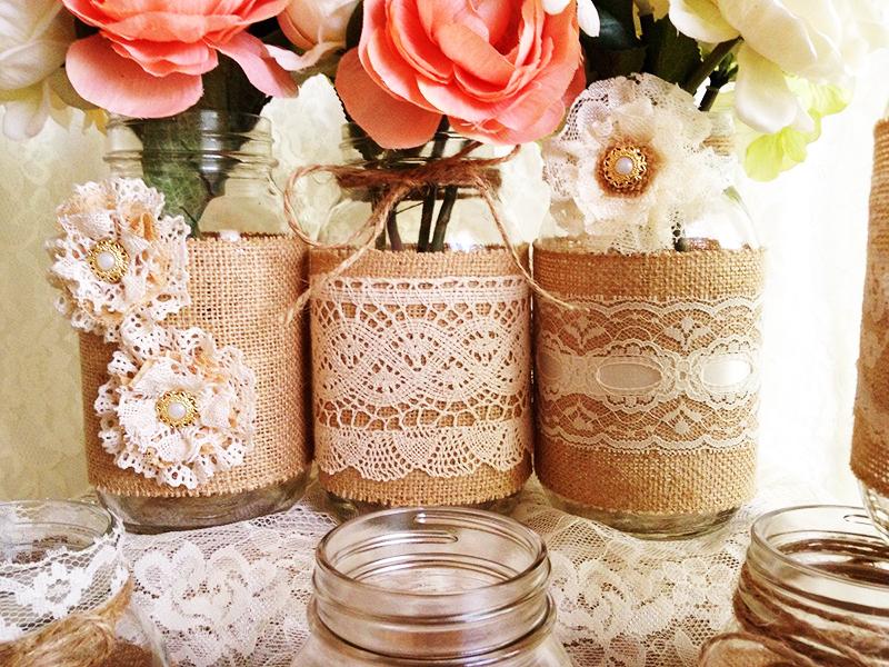 Из мешковины и банок получаются красивые вазы в стиле рустик