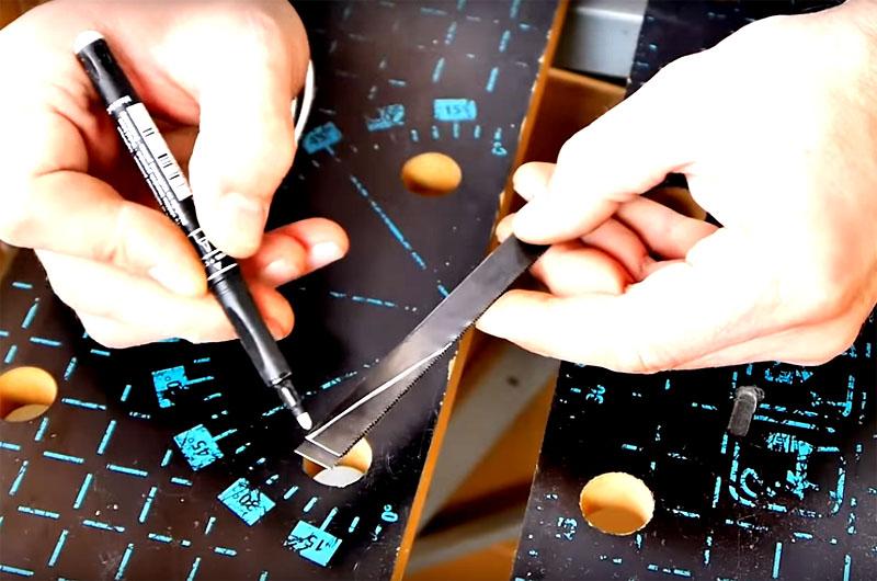 Можно усовершенствовать уже готовую модель, если заострить кончики ножек