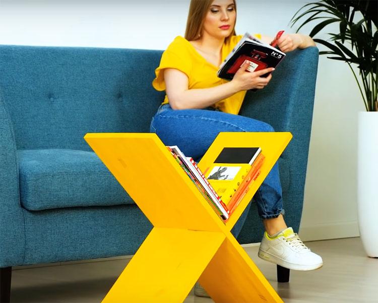 Столик готов, уложите в угловую выемку свои любимые журналы и поставьте рядом с местом отдыха