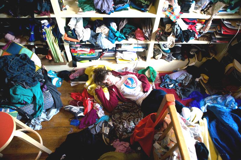 Как разобрать и правильно сложить вещи в гардеробе