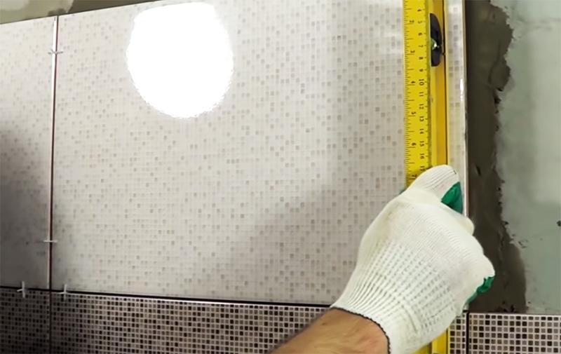 Проверка по уровню обязательна при укладке каждой плитки