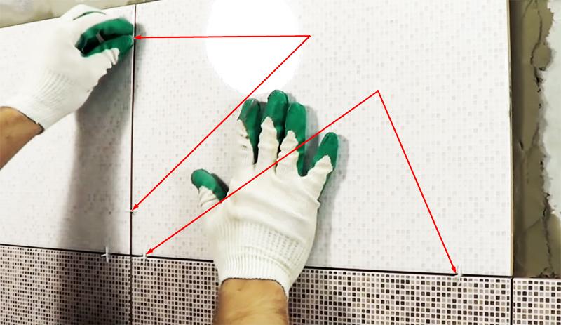 Установка крестиков обязательна – они регулируют расстояние между плитками