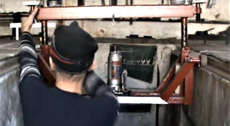 Вариант передвижного канавного подъёмника с малым домкратом