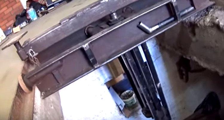 Передвижной подъёмник, встроенный в яму
