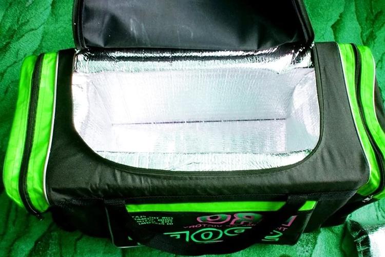 Исходная сумка, в которой собирается холодильник