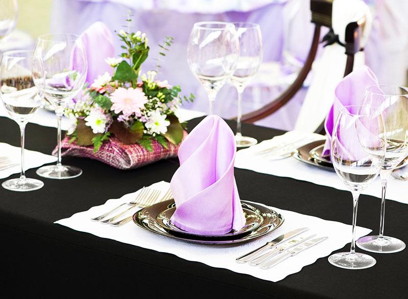 Секреты правильной сервировки стола к любому празднику