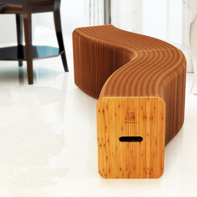 Раскладной стул-гармошка может вместить более 10 человек