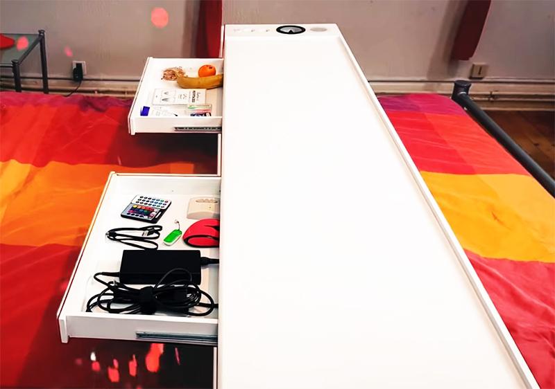Столик для ленивых, оснащённый электромотором