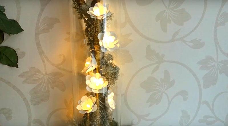 Днём такой элемент декора даст мягкий свет с оригинальным эффектом