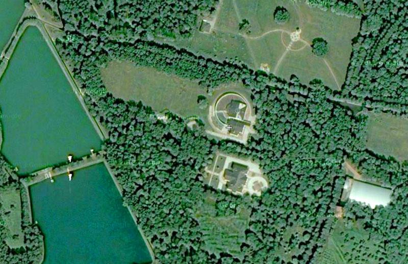 Вид сверху на резиденцию «Озёрный»