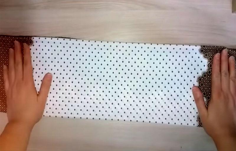 Ткань платка складывается в 4 раза, чего бывает не всегда достаточно
