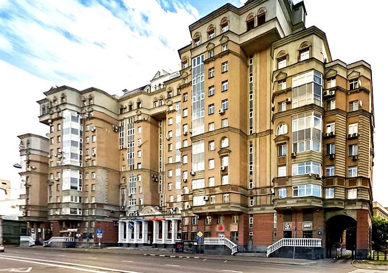 Владимир Соловьёв и его апартаменты