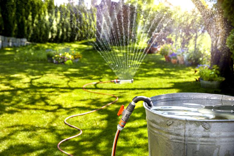 Дополнительно можно установить старт-коннекторы. С их помощью вы сможете регулировать подачу воды в шланги и время полива отдельных грядок, если у вас на участке растут разные культуры растений