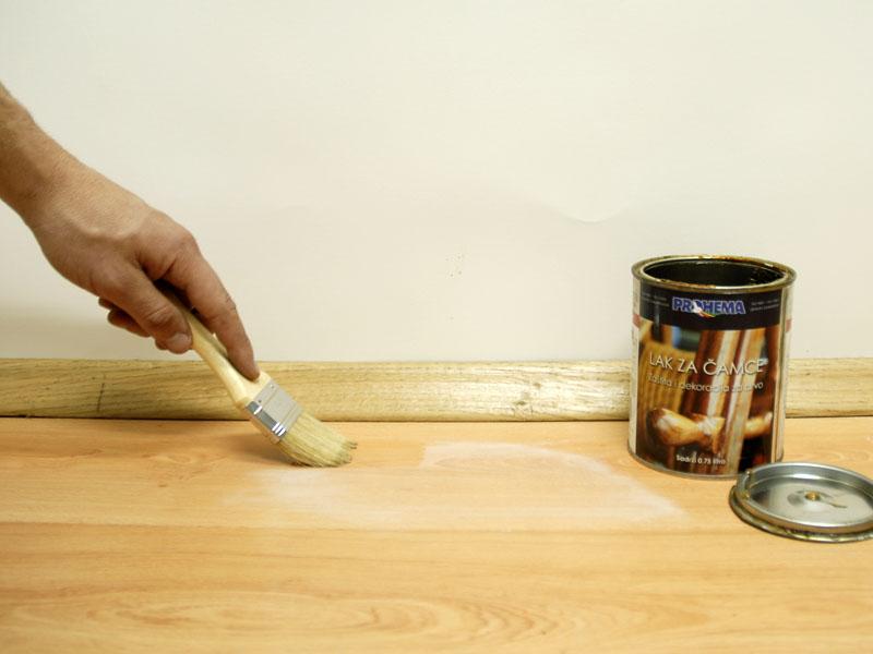 После того как будет проведена обработка поверхности, приступайте к покраске или приклеиванию деталей. Не допускайте появления на основании нового слоя пыли или попадания на него мелких ворсинок и капель жира