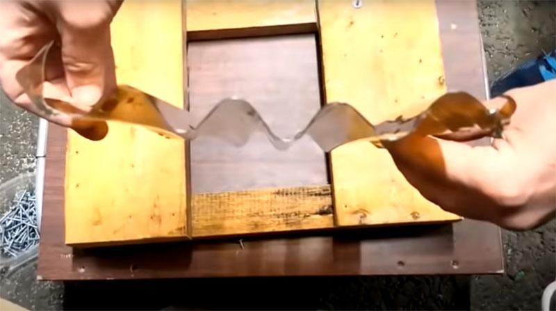 Благодаря тому, что при обработке применялись трубки одинакового диаметра, получатся идеальные по форме волны, которые будут легко стыковаться с другими подобными деталями