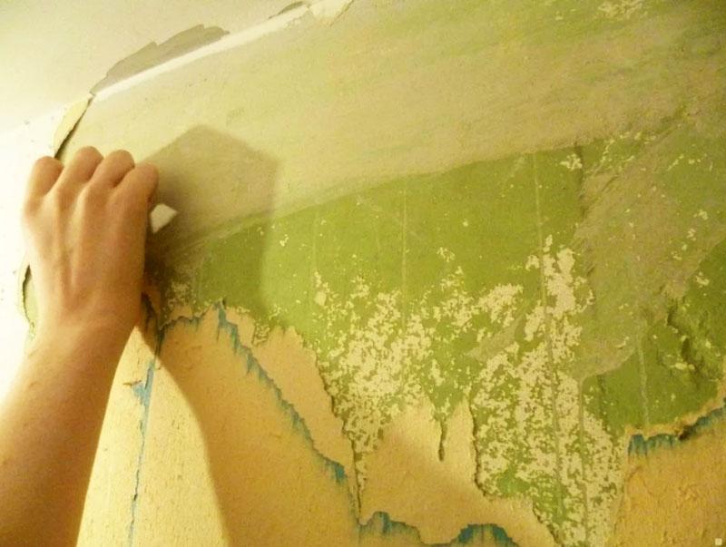 Удалять краску механическим способом можно даже в квартирах, в которых проживают беременные женщины и дети