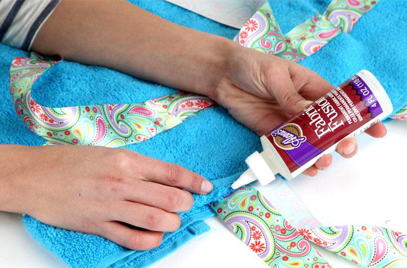Склеивание кусков ткани