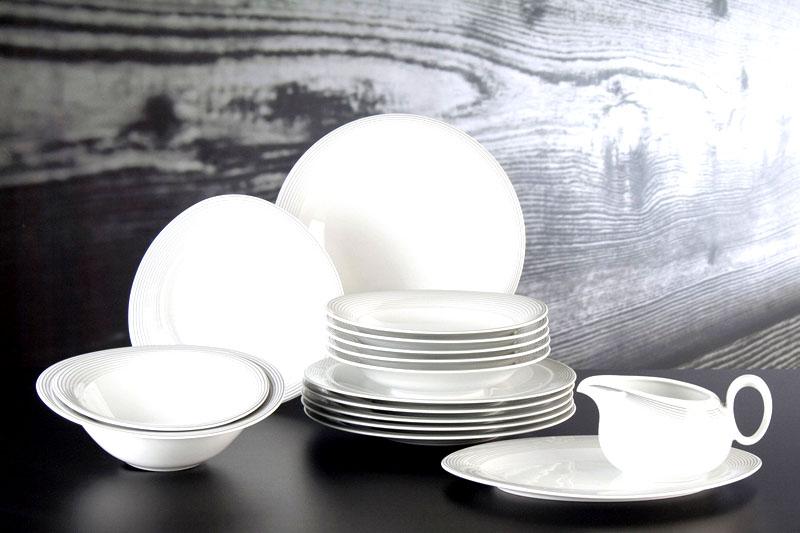 Выбирайте тарелки и чашки в одной цветовой гамме – такие наборы выглядят очень стильно и становятся украшением кухни