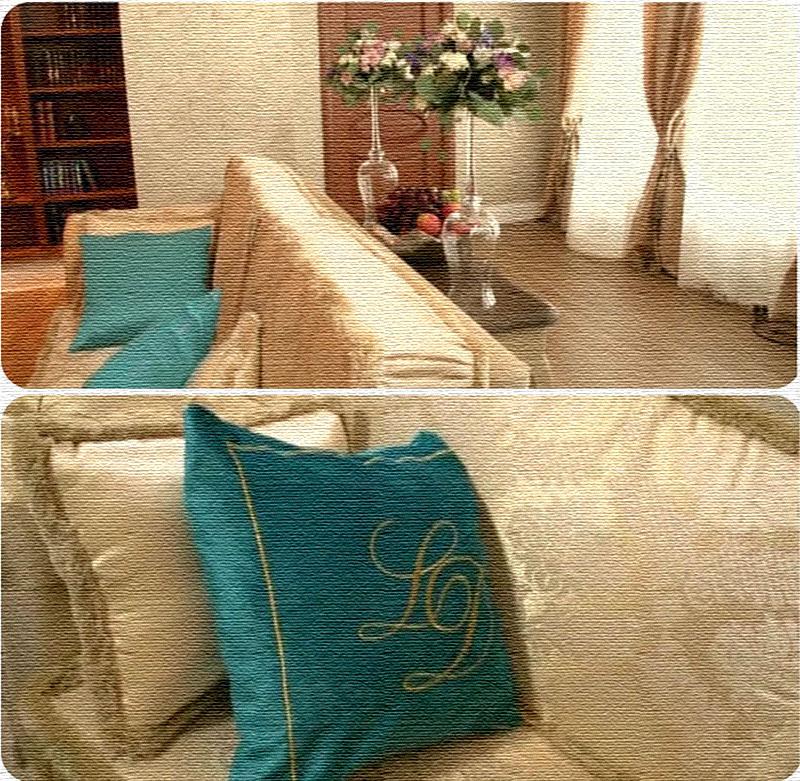 Бирюзовый оттенок освежает нейтральное оформление гостиной