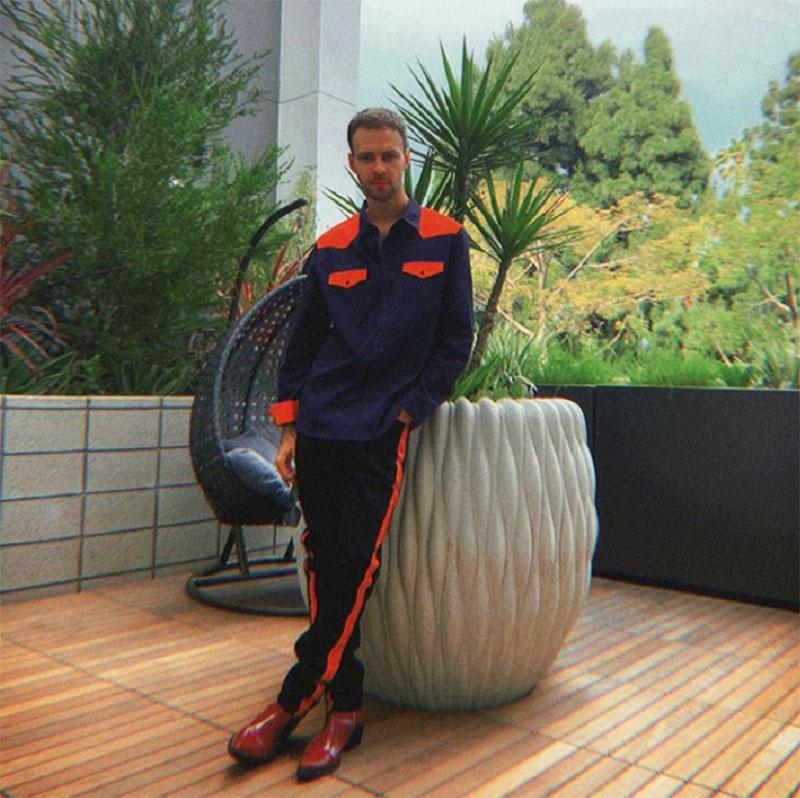 Красиво жить не запретишь: шикарные квартиры популярного певца Макса Барских