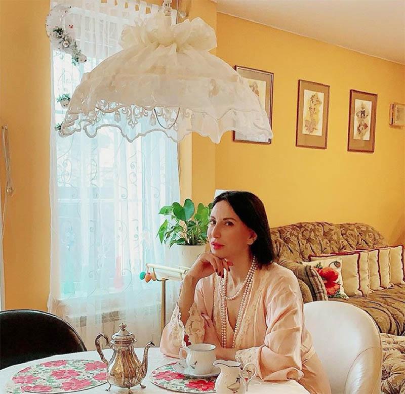 Не оторвать взгляд: шикарное оформление интерьера Алики Смеховой