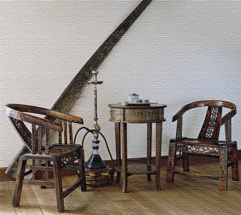 Антикварную мебель Ирина Хакамада приобретала на барахолках