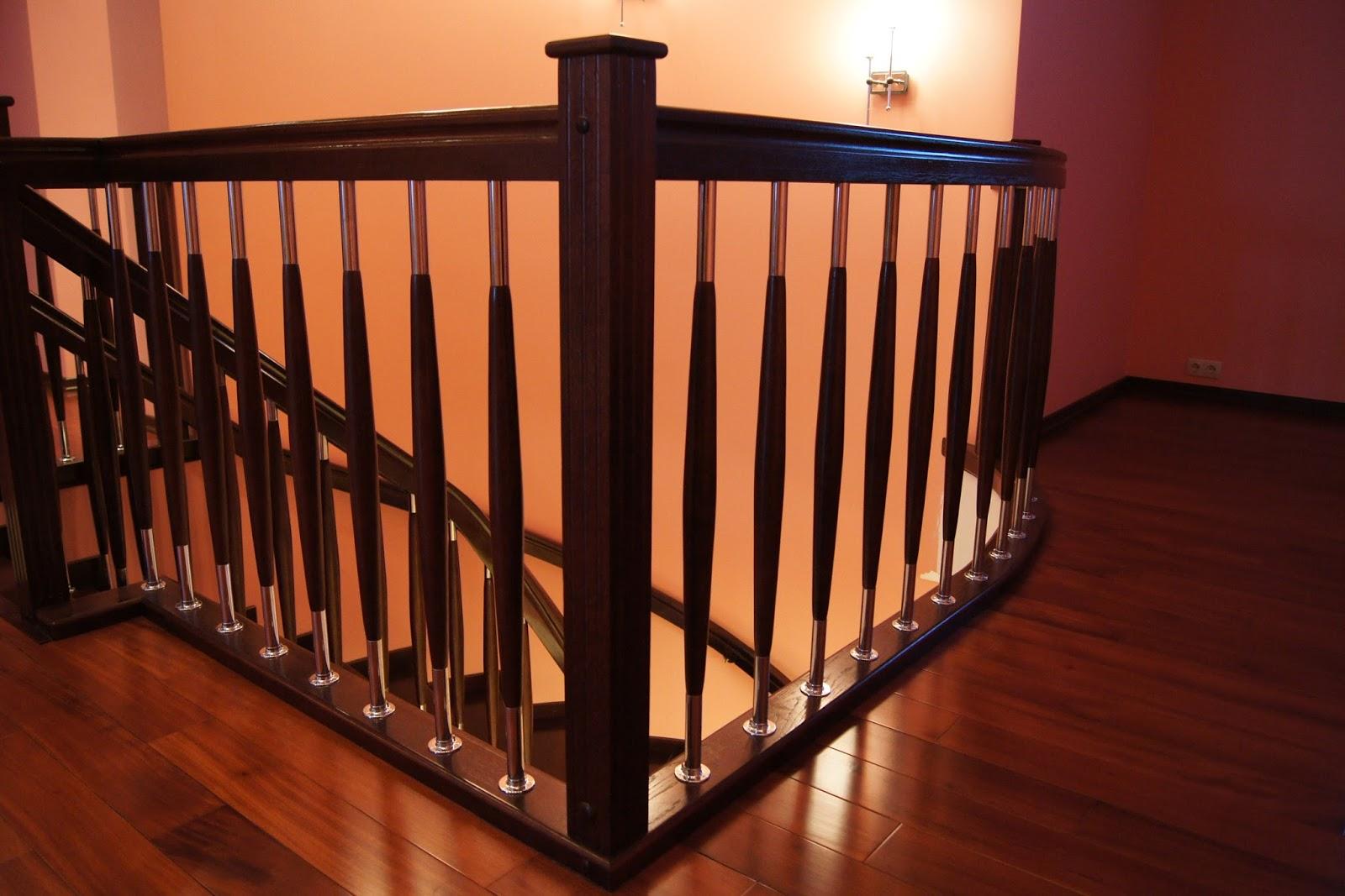 Лестница с большим количеством балясин