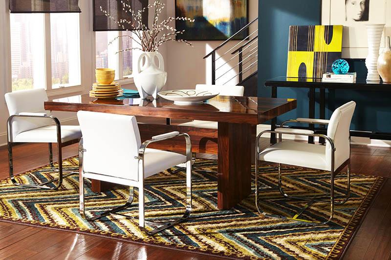 Ковёр не только украсит комнату и сделает её уютной, но и защитит пол от царапин, оставляемых при перестановке стула к столу