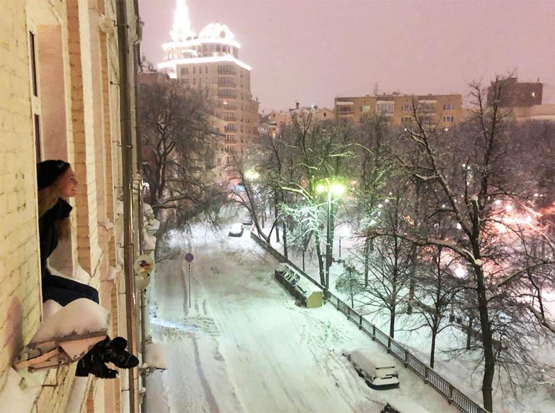 Наслаждаться видами из окна Гарик Харламов теперь будет в одиночестве