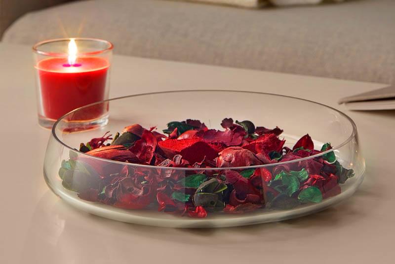 Для предотвращения возгорания не ставьте свечи около отдушки