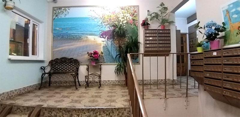Уютный холл встречает владельцев и гостей идеальной чистотой