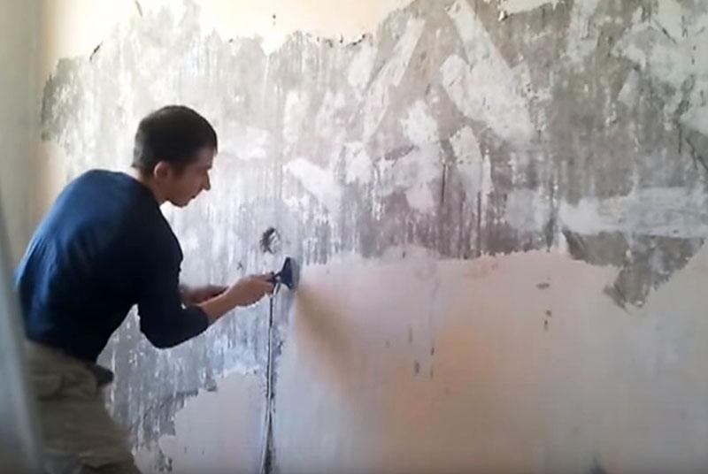 Очистка стены шлифмашинкой