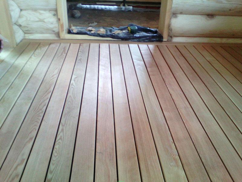 Проливной пол из лиственницы – сделать его несложно, а прослужит эта древесина долго