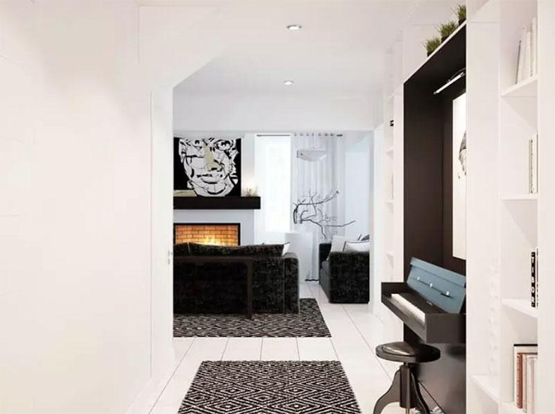 Пол в небольшом коридоре оформлен аналогично гостиной