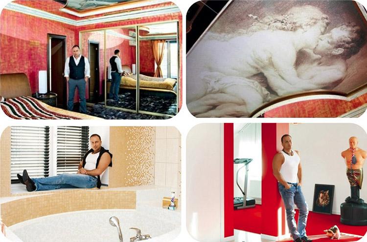 В спальне напротив кровати установлен командор с зеркальными дверьми