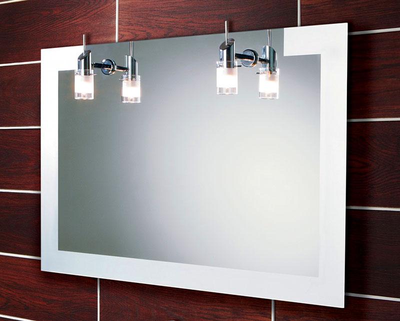 Отличный вариант – повесить пару светильников с люминесцентными лампами над зеркалом
