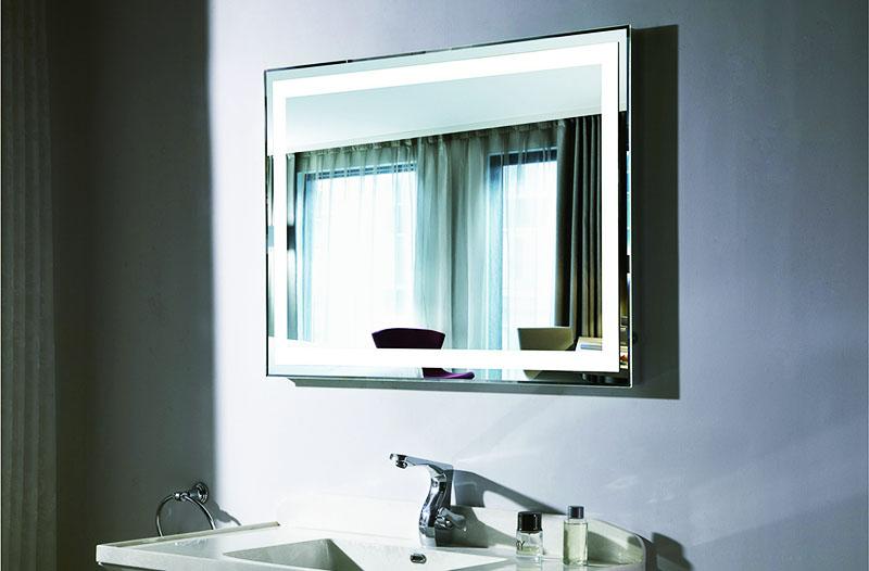 Выбирайте зеркала со встроенной подсветкой – это хороший источник света для вашей комнаты