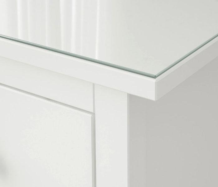 Столешницу можно заказать в трёх разных размерах: 108×50 см, 159×50 см и 54×38 см