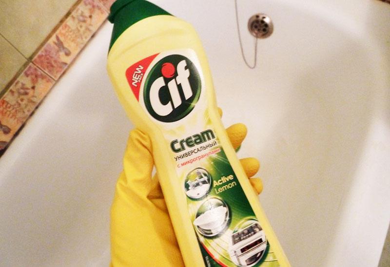 Неплохо очищают поверхность средства в виде чистящих кремов, в них можно даже замачивать посуду