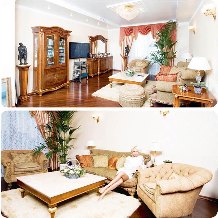 Окно украшает классический комплект из белоснежного тюля и шёлковых портьер с эффектным ламбрекеном