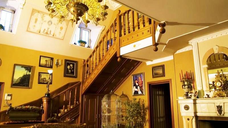 Просто произведение искусства: шикарный особняк «дачной феи» Ольги Платоновой
