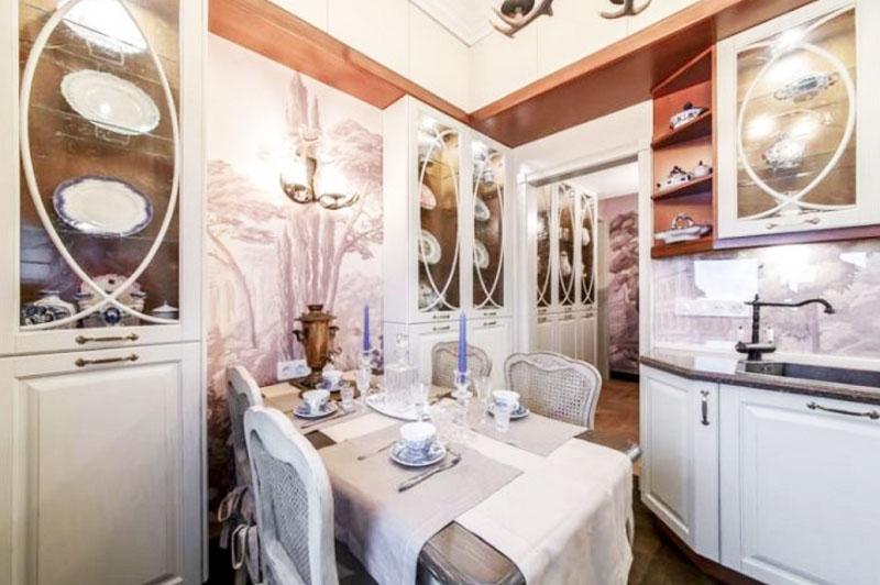 Неожиданная перепланировка квартиры Светланы Немоляевой с кучей антиквариата