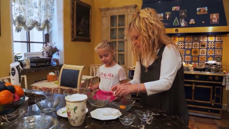 Чистая кухня: советы домработницы Пугачёвой