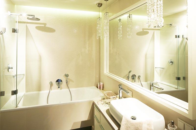 Освещение играет крайне важную роль в обустройстве ванной комнаты