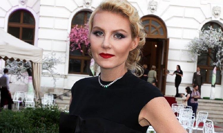 Русская красавица покорила сердце французского дизайнера – бывшего хозяина